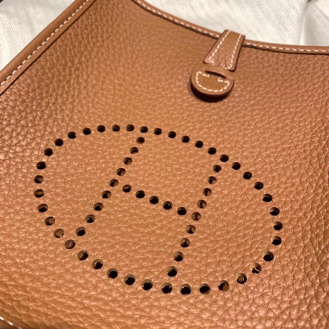 Hermes爱马仕 Evelyn 16cm Clemence Tc皮 37金棕 银扣