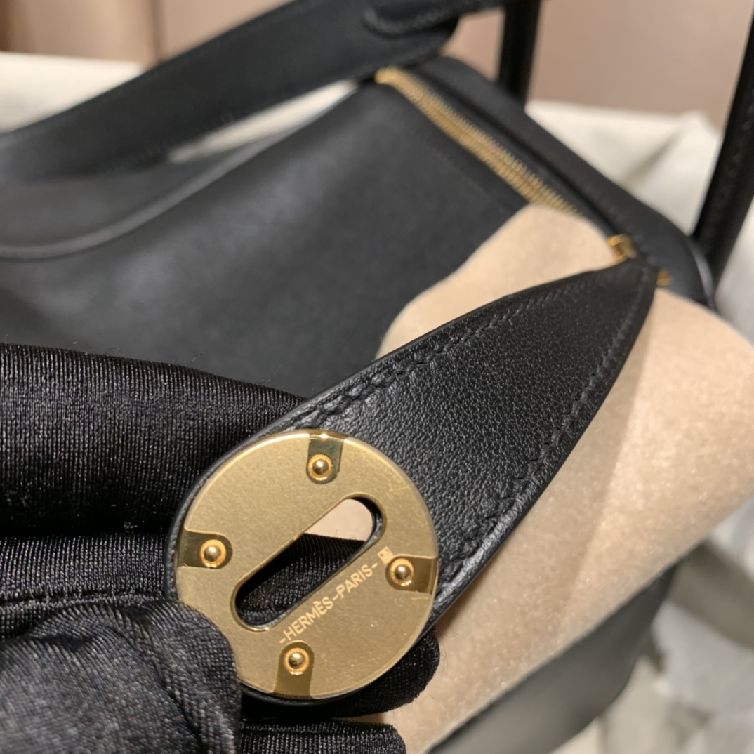 Hermes爱马仕 Lindy 26cm Swift皮 89黑色 金扣
