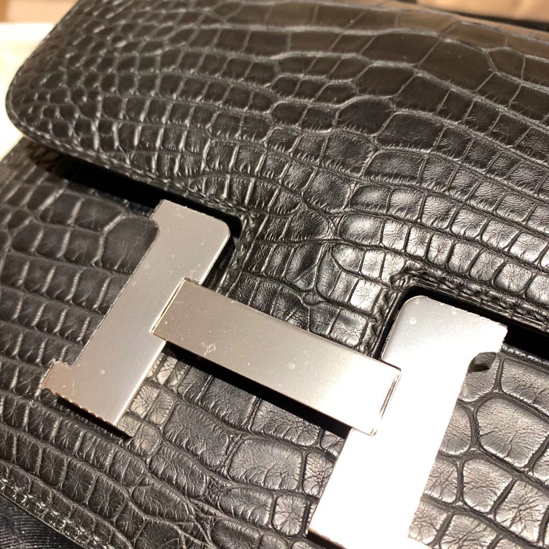 Hermes爱马仕 Constance 19cm 美洲雾面方块鳄鱼 89黑色 银扣 完美品相