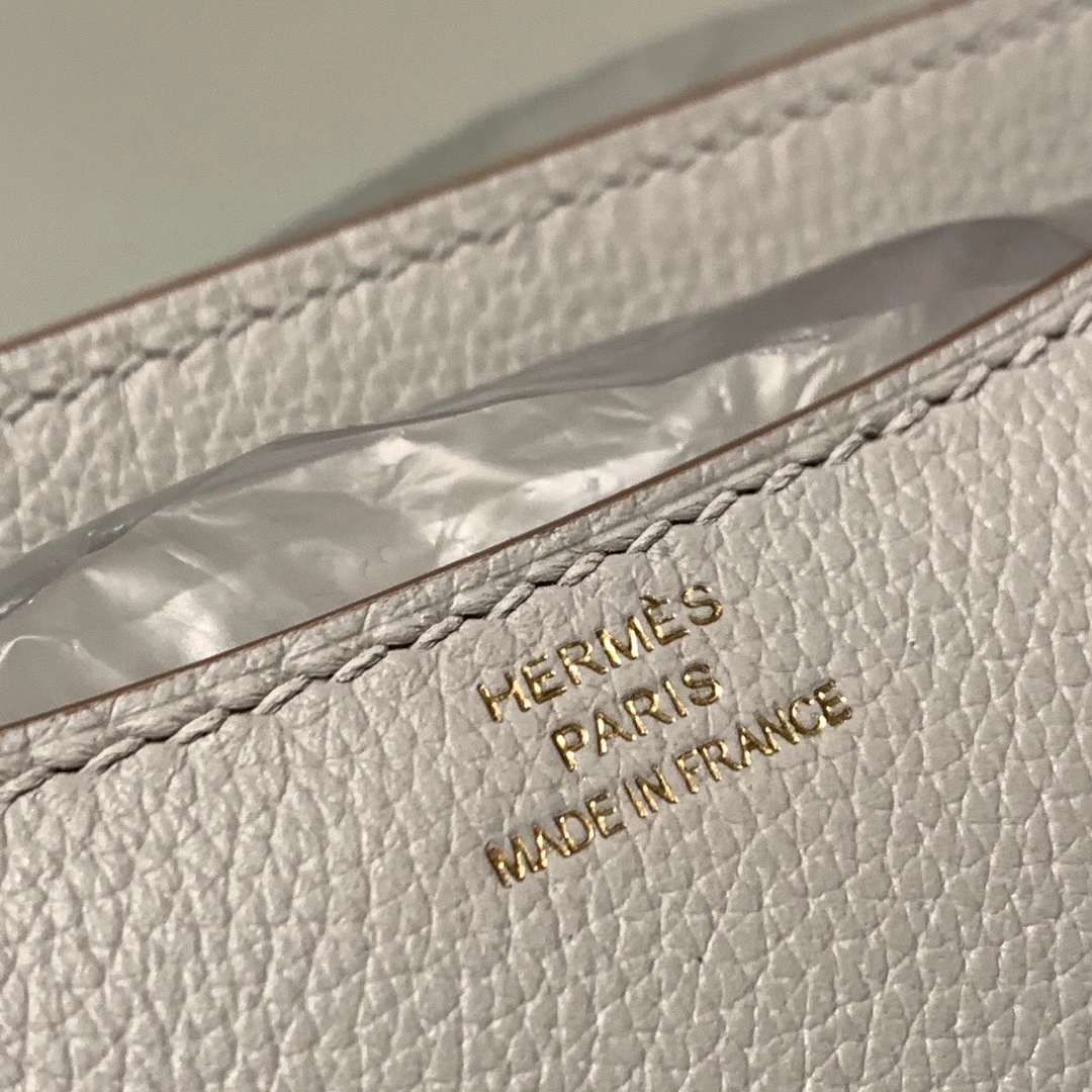 爱马仕包包 Constance 19cm Evercolor 80珍珠灰 金扣