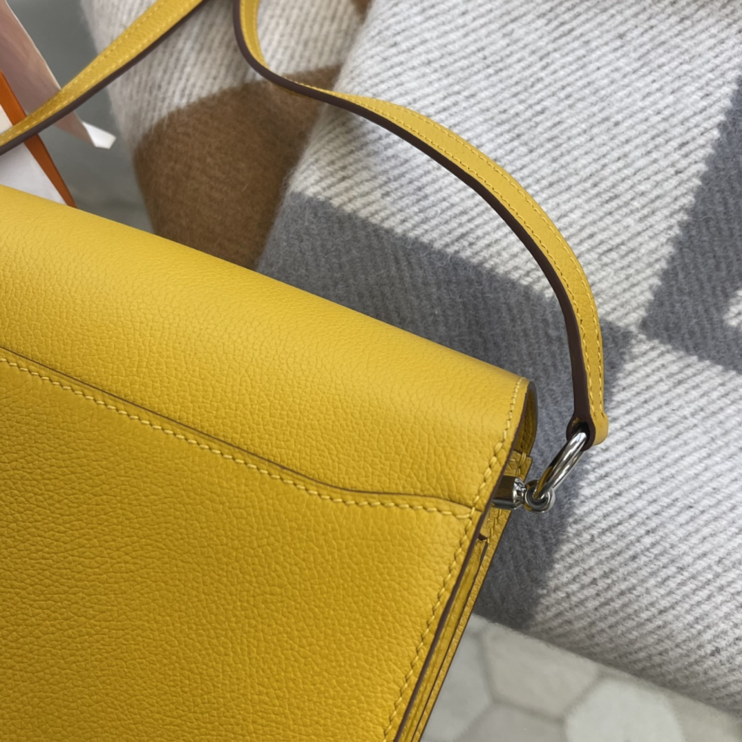 爱马仕包包工厂 Roulis猪鼻子 19cm Evercolor 9D琥珀黄 银扣
