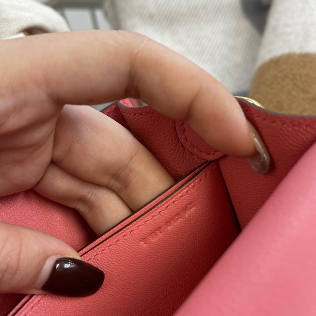 爱马仕包包工厂 Roulis猪鼻子 19cm Evercolor K4夏日玫瑰粉 金扣