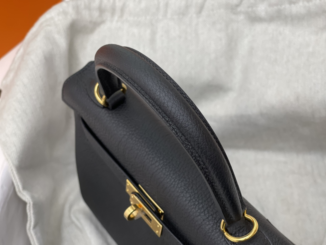 爱马仕包包 Kelly 25cm Togo皮 89黑色 金扣