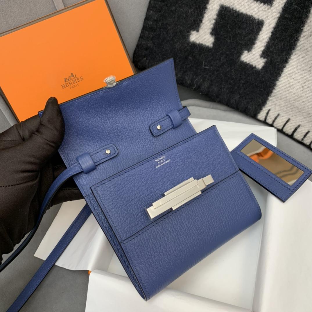 爱马仕包包 Cinhetic Mini 12cm 新款设计旋转扣 凹造型 配带镜子 7E明蓝 银扣