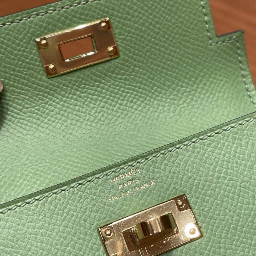 爱马仕包包 Kelly Pocket颜值和实用兼备 Epsom皮 3i牛油果绿 金扣