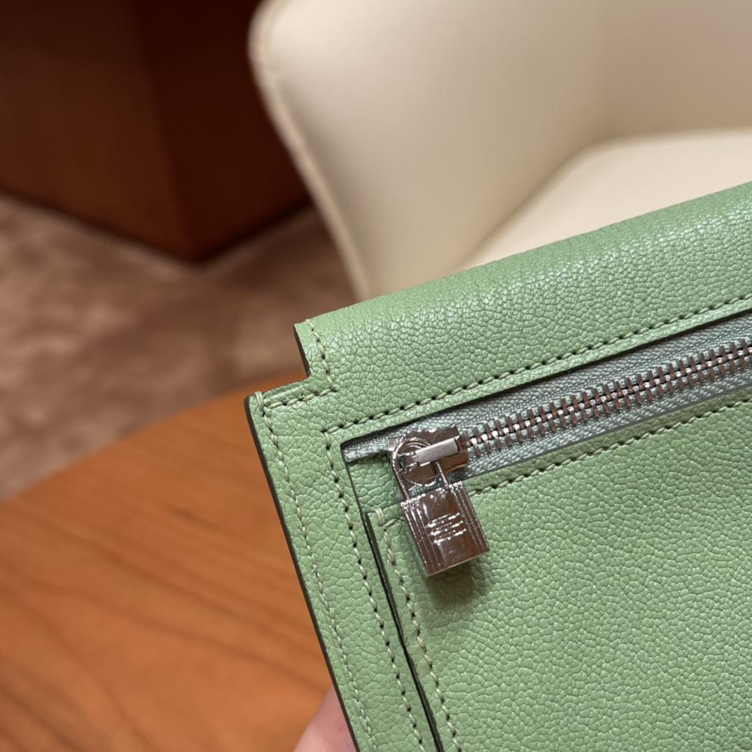 爱马仕包包 Kelly Pocket颜值和实用兼备 山羊皮3i牛油果绿银扣