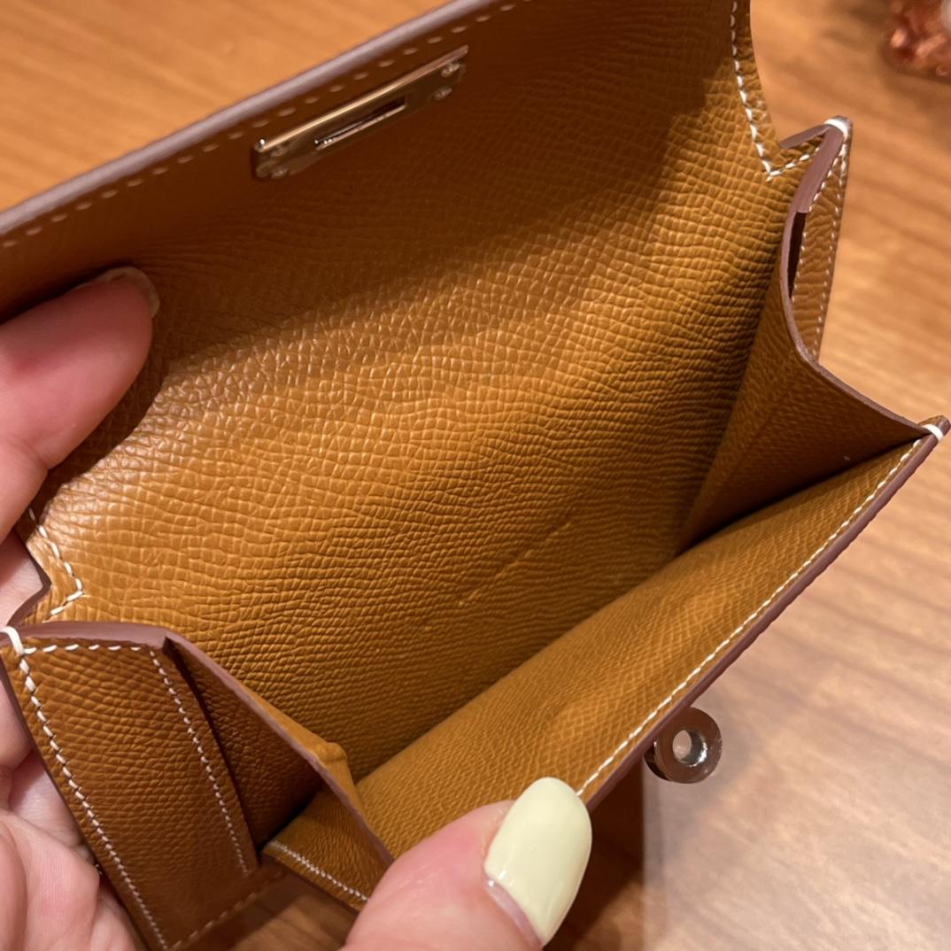 爱马仕包包 Kelly Pocket颜值和实用兼备 Epsom皮 37金棕 银扣