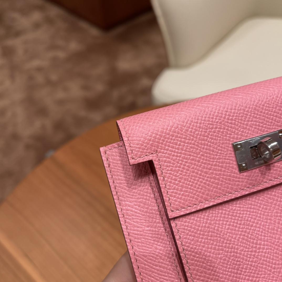爱马仕包包 Kelly Pocket颜值和实用兼备 Epsom皮 1Q奶昔粉银扣
