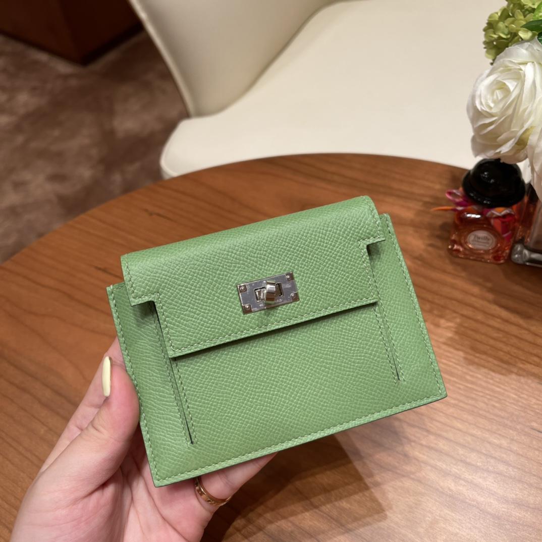 爱马仕包包 Kelly Pocket颜值和实用兼备 Epsom皮 3i牛油果绿 银扣
